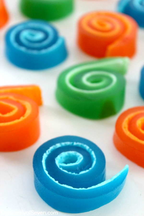 Jell-O Marshmallow Pinwheels- Super fun treat that is great for the kiddos and adults. Just 2 ingredients to whip these snacks.