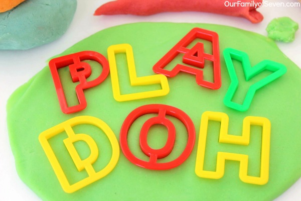 Kool-Aid Play Dough -Made with just a few ingredients found in your pantry. Super Easy! Super fun play dough that will entertain the kiddos for hours